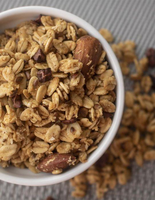 Granola con Nibs de Cacao y Almendras
