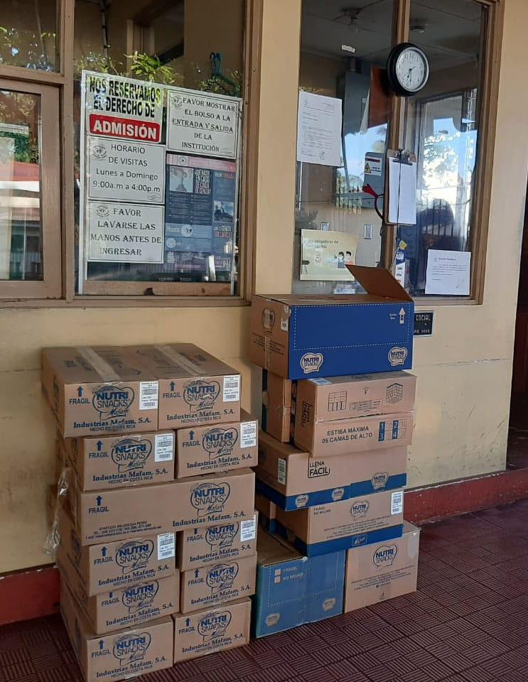 Donación Nutrisnacks Asilo Santiago
